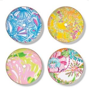 Lilly Pulitzer plates 4 set